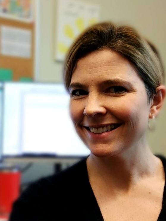 An image of department advisor Sofia Carlsson that links to advising appointment system