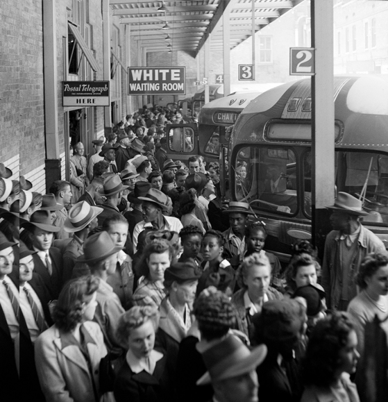 Greyhound bus terminal in Tennessee, 1943