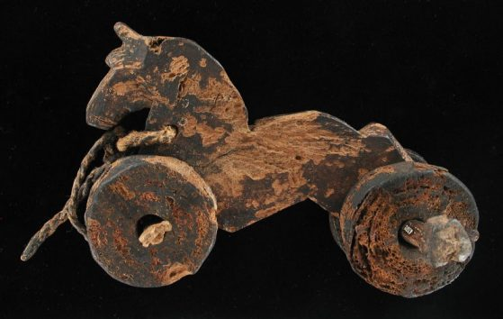 Wooden wheel horse toy