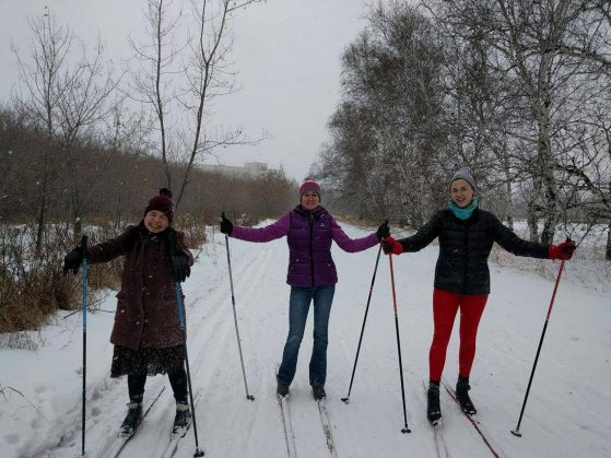 Isabelle Stamler-Goody, right, and friends skiiing in Russia